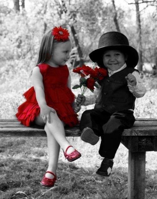 babies-black-and-white-children-couple-favim-com-2264292_500x636