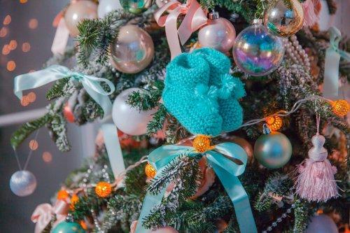 Елка (новогодняя елка) – о6paз, связанный с праздником, началом новой жизни, подарками, радостью.